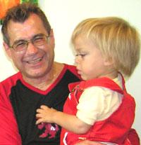 Melvin mit Papa Kurti Melvin bei seiner 1. Infusion am 7.Oktober 2004