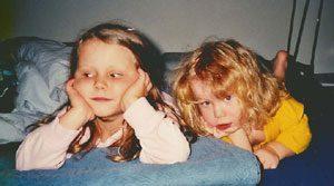 MPS Kind Sophie mit ihrer Schwester Valerie